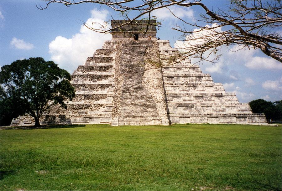 Chichen Itza Traveled Side.