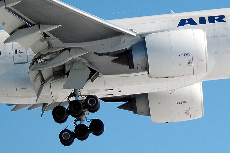 Worldwide Suppliers of Boeing/Douglas & Airbus Commercial Landing Gear & Related Components