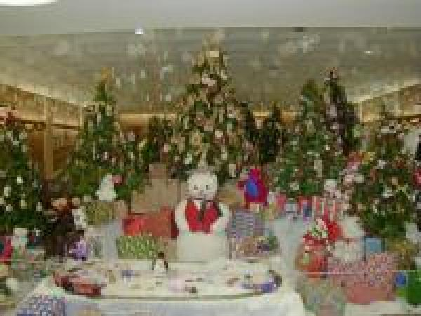 HOLIDAY DISPLAY IN THE FREEPORT RECREATION CENTER
